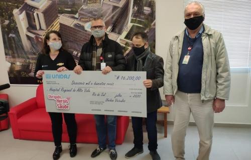 Concessionária da GM faz doação ao Hospital Regional