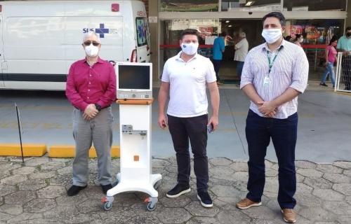 Sindicarne faz a doação de respirador pulmonar para a Fusavi