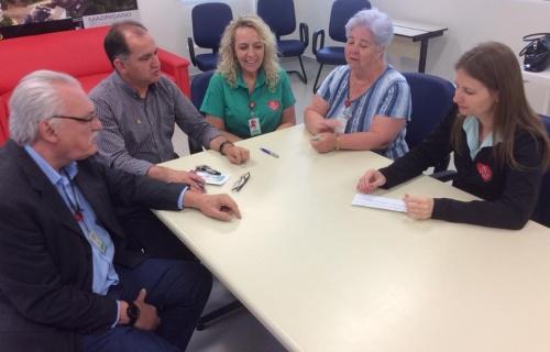Grupo de Voluntários entregou doação ao HRAV