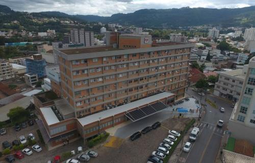 Hospital de Timbó é referência para receber pacientes da COVID-19