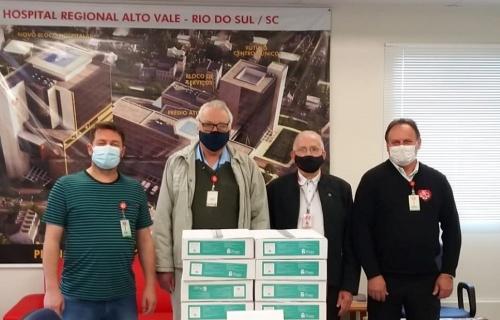 Fusavi recebe doação de capacetes de respiração individual