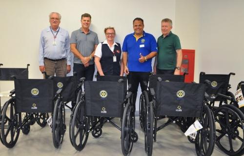 Hospital recebe doação de clube de serviço de Agronômica