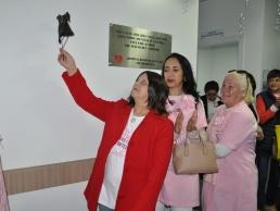 Toque do sino reúne 20 pessoas da oncologia do Regional