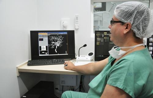 Aparelho de hemodinâmica do Regional entra em operação