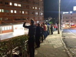 Fiéis fazem orações em torno do Hospital Regional Alto Vale de Rio do Sul