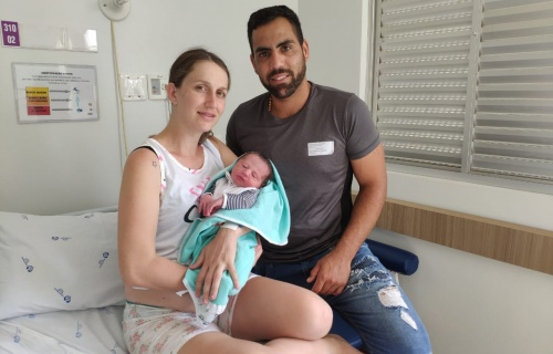 Primeiro bebê rio-sulense de 2020 nasceu só às 2h23