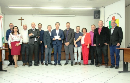 Vereadores prestam homenagem ao Hospital Regional Alto Vale