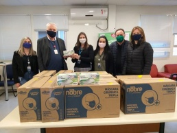 Hospital Regional recebe doação de máscaras cirúrgicas triplas