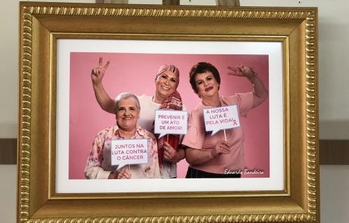 Fotos mostram mulheres depois de enfrentar o câncer de mama
